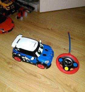 Машина на пульте управления детская