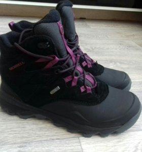 Непромокаемые демисезонные ботинки MERRELL