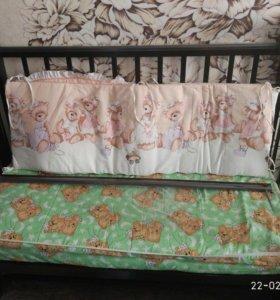 Кроватка детская,с комплектом