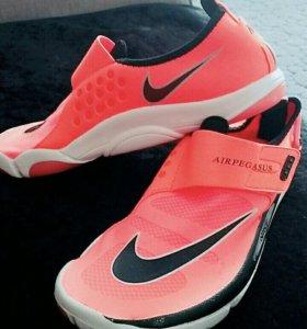 Обувь для спорта НОВЫЕ