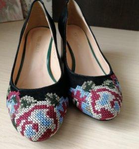 Натуральные замшевые туфли