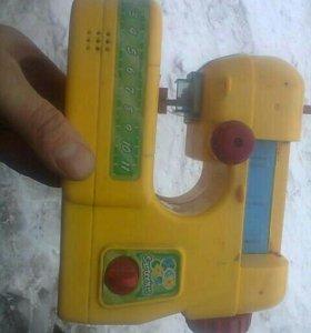 Электронная детская швейная машинка