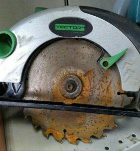 Циркулярная пила Vektor cs18131l