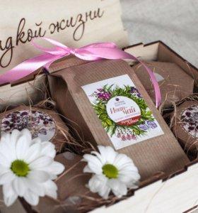 Подарочный набор «Сладкой жизни» с мёдом и чаем