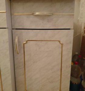 Шкаф-пенал настенный и напольный. Кухонные.
