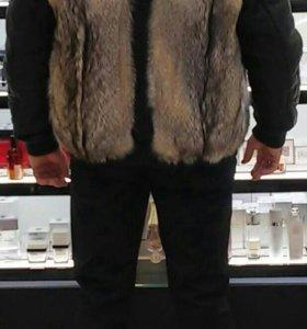 Куртка кожаная,с мехом волка,бомбер.