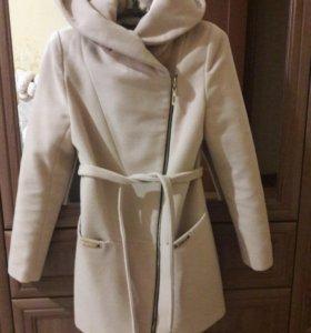 Продам пальто размер S