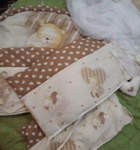 Бортики мягкие и вуаль в кроватку