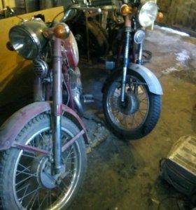 Мотоцикл Ява-350. 2 шт.