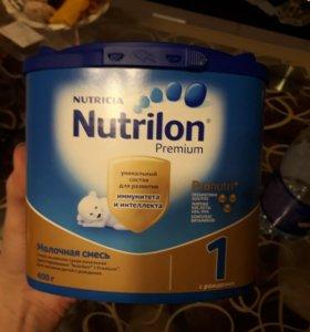 Молочная смесь Нутрилон 1 Премиум