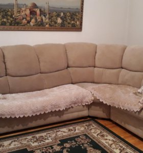 Угловое диван и кресло.