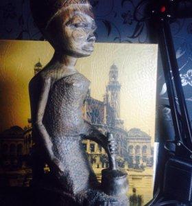 Африканская статуэтка из эбенового дерева.