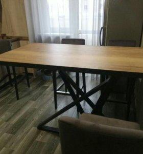 Стол на металлическом основании