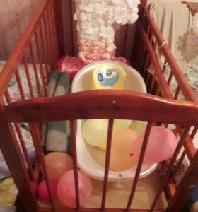 кроватка детская +подарки