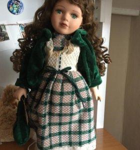 Коллекционная фарфоровая кукла из Англии
