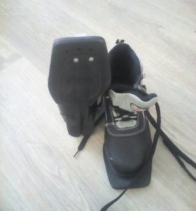 Ботинки лыжные 33 размер