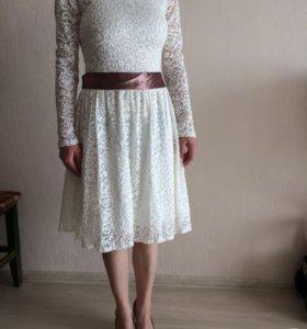 Продам платье и босоножки