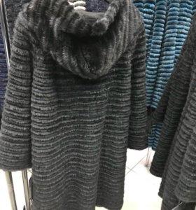 Новое норковое пальто-шуба с капюшоном.