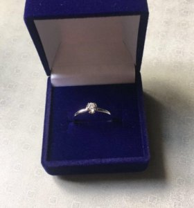 Золотое кольцо (белое золото с бриллиантом)