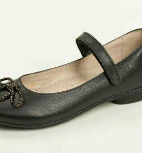 Новые кожаные туфли, р.37