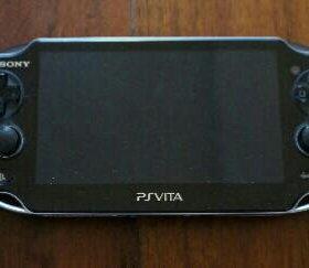 PS Vita + 3 Игры PlayStation®Vita