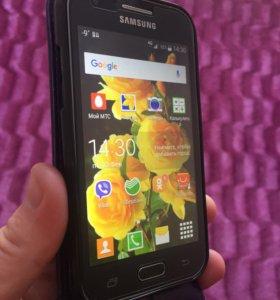 Смартфон Samsung galaksi j1 ( 2015 г)