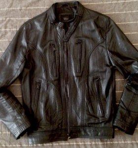 Кожаная куртка Zara (M)