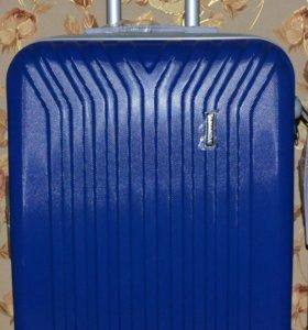 чемодан на колёсах для поездки ананда