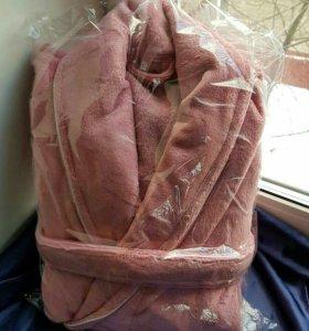 Велюровые красивые женские халаты