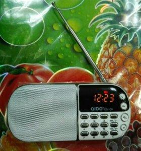Цифровой Радиоприемник мр3 плеер юсб мкр сд + часы