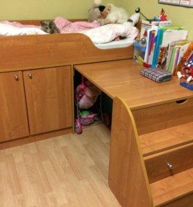 Кровать-чердак + выдвижные ящики + матрас + шкаф