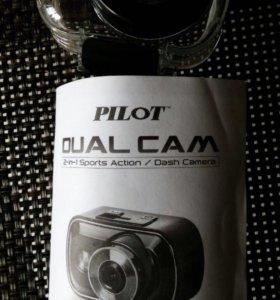 Камера Pilot Dual Cam