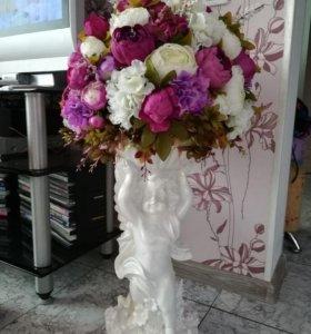 """Композиция """"Ангел с чашей и цветами"""""""