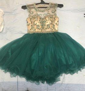 Вечернее платье 44 размер.