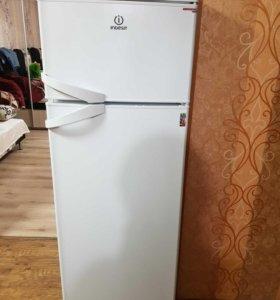 Холодильник Indesit st 167.028