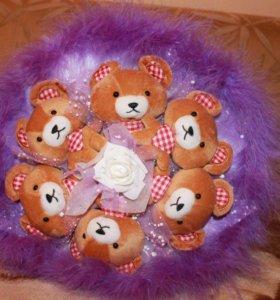 Букет цветов из игрушек (мишки, роза, бант, пушок)