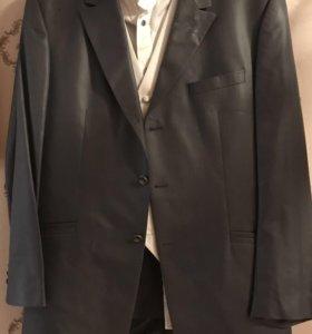 Сюртук,жилет, рубашка,брюки