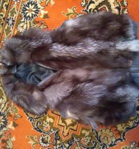 Жилет меховой чернобурки