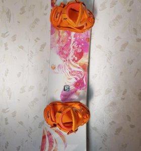 Женский сноуборд APO GEM 152 и крепы Drake Jade M