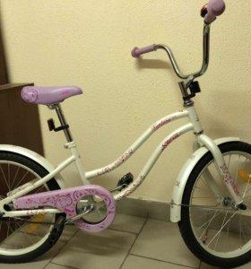 Новый 4 колёсный велосипед для девочки