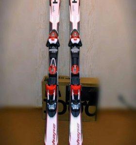 Горнолыжный комплект: лыжи + ботинки + палки
