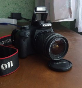 Зеркальный фотоаппарат Canon 550D, кофр, sd карта