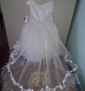 Детское нарядная платье