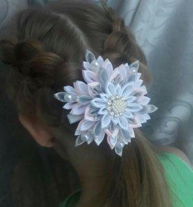 Школьные резинки для волос,галстуки-броши