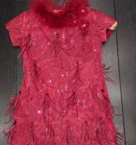 Шикарное платье Lesy 4-5 лет