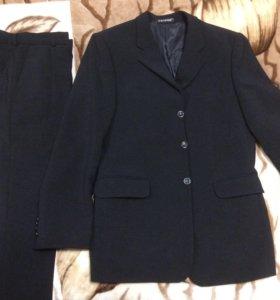 Новый мужской костюм (пиджак и брюки)