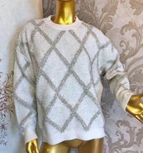 свитер 46;48;50 очень мягкая и теплая