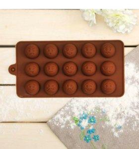 """Форма для льда и шоколада """"Смайлики"""", 15 ячеек"""