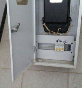 Электрический щиток с электросчетчиком