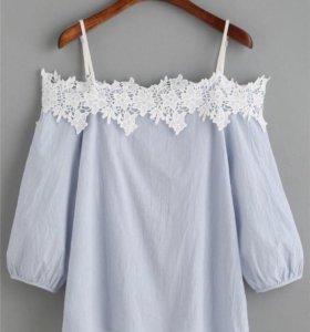 Блуза с кружевными плечами